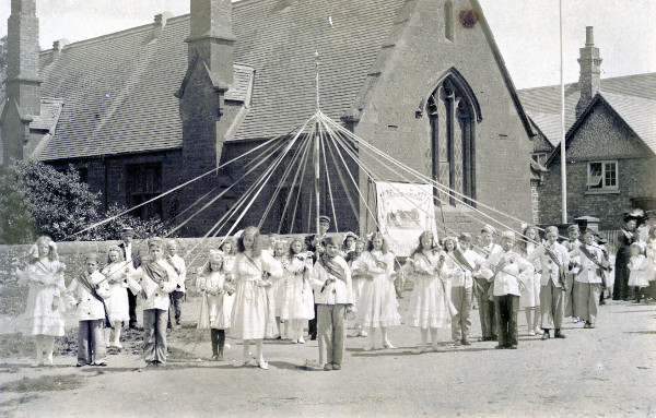 1910 Mayday Celebrations School Street, outside the Dryden Hall and St Mary's Church