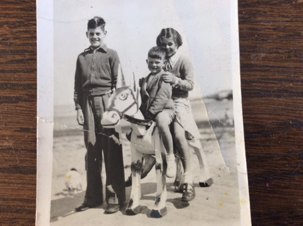 Malcolm (standing), Jaqueline and Thomas - Margate 1952